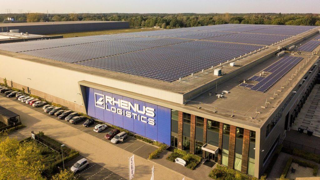 Elektrowni słonecznе na dachach magazynów